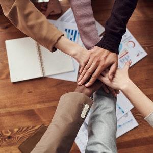 Ryhmätyössä tarvitaan hyviä vuorovaikutustaitoja